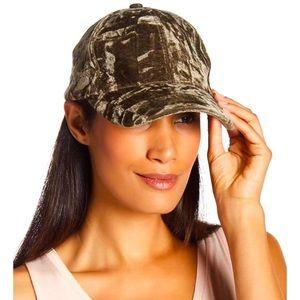 Bcbg green velvet hat